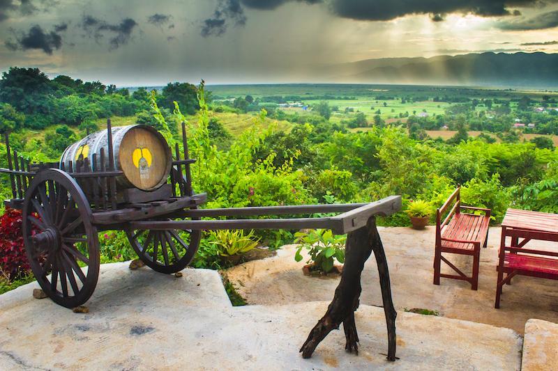 Картинки по запросу Red Mountain Estate Vineyards & Winery myanmar
